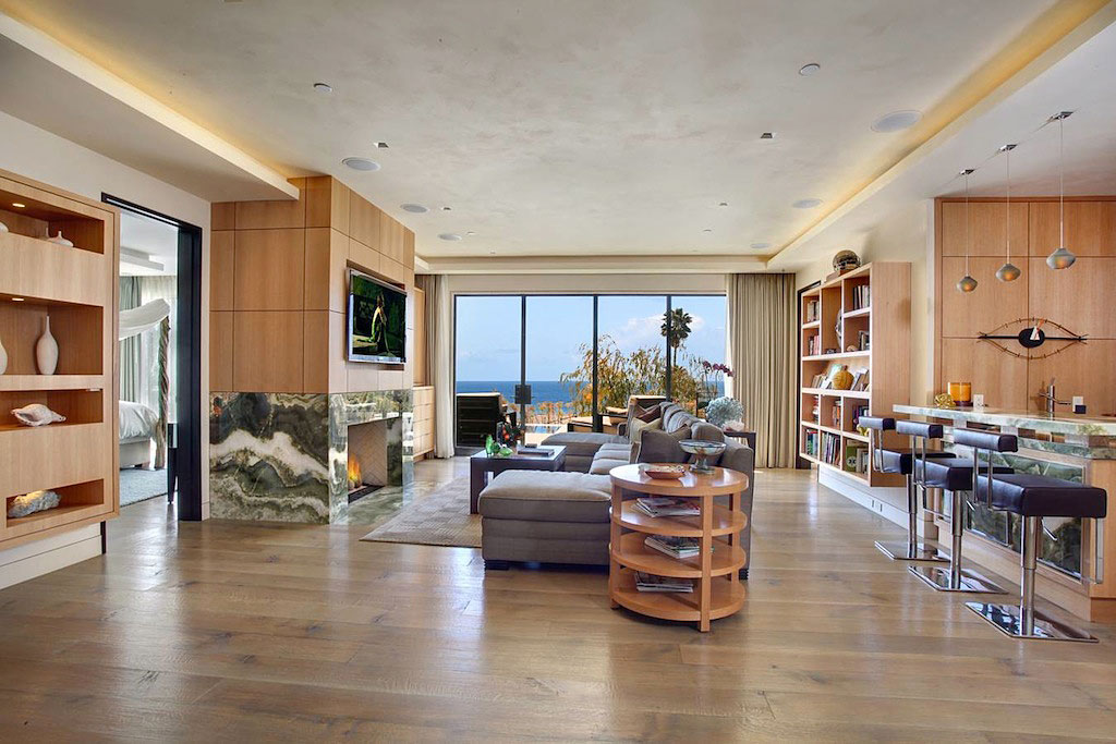 World of architecture 1115 emerald bay laguna beach california for Laguna beach interior designers