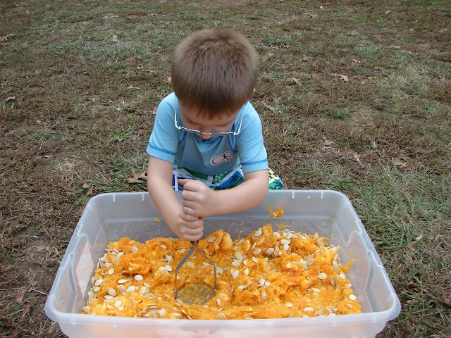 pumpkin play activities - pumpkin sensory