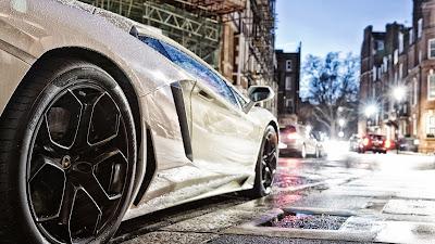 Lamborghini Gallardo Pirelli Wheels Cityscape HD Wallpaper