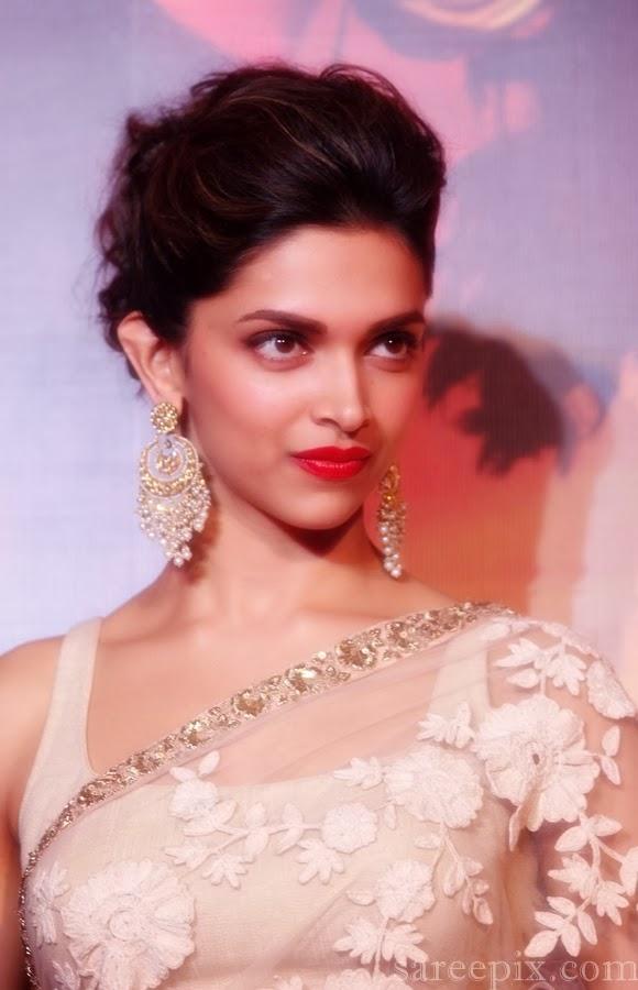 "Deepika padukone saree stills at ""Ram leela"" trailer launch"