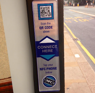 Digital Outdoor - Interactive Tag - Bus Shelter