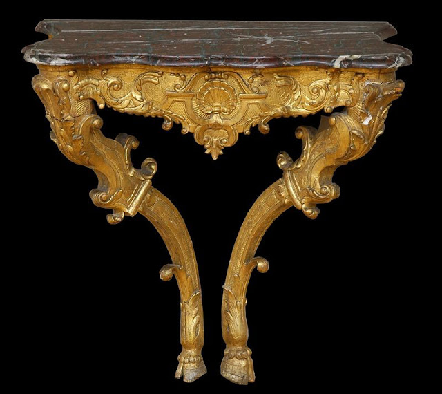 Konsoles galdiņš, French, Regence period, carved giltwood console. Circa 1725