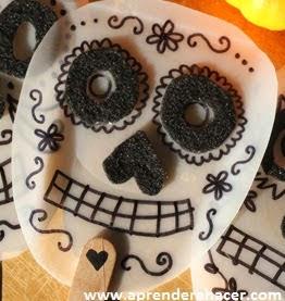 http://www.aprenderahacer.com/mascaras-para-el-dia-de-muertos/