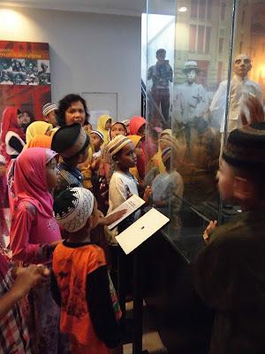 2nd Anniversary of 1000Foundation, Meriah Walaupun Terlihat Sederhana