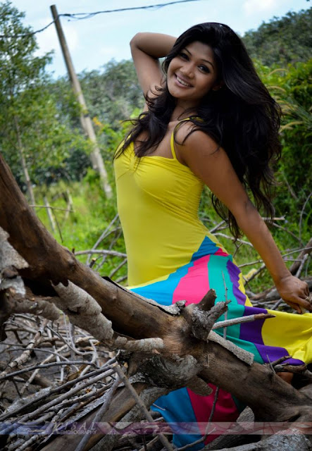 Miss Srilanka 2012 Sumudu Prasadini Hot Pictures