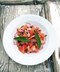 Retiisi-vesimelonisalaatti