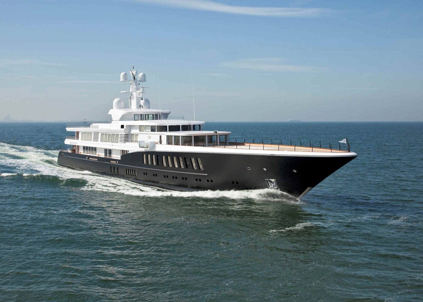 Megayacht AIR