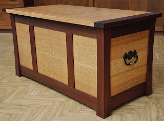 holz notizen truhe. Black Bedroom Furniture Sets. Home Design Ideas