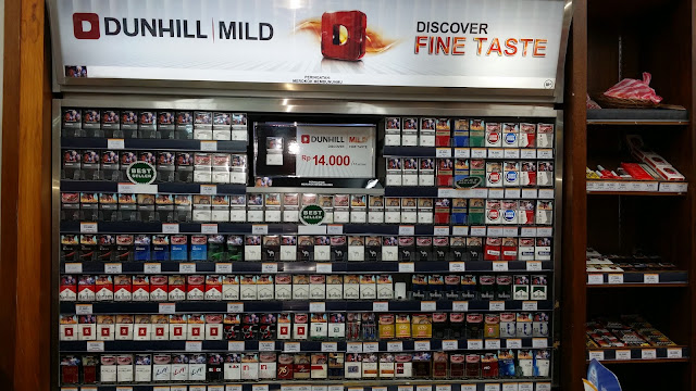 Venta de Tabaco en Bali (Indonesia)