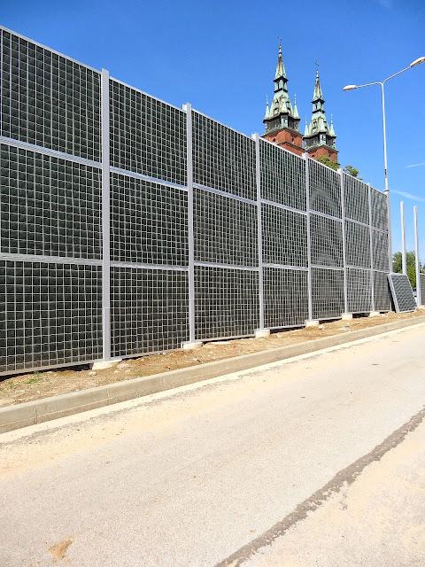 Ekrany akustyczne na ulicy 1 Maja w Kielcach