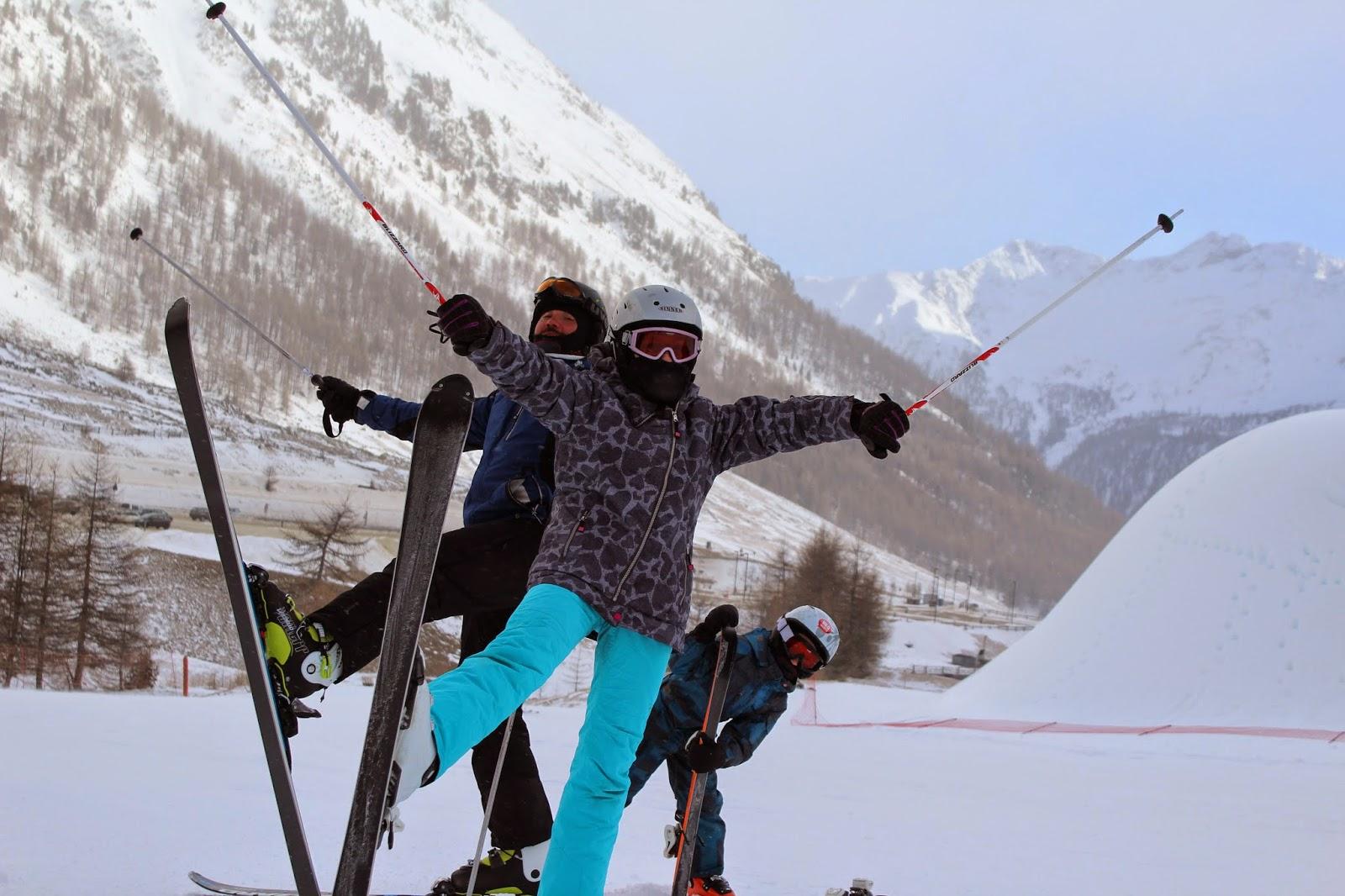narty ski, góry, fotografia góry, zdjęcia sesja narty, sesja narciarska, ciekawe zdjęcia, kijki narciarskie