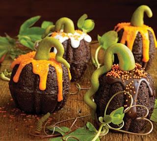Unique Halloween Pumpkin Cakes