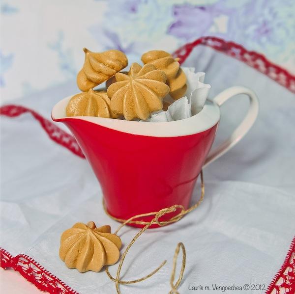 Espresso Meringue Cookie Kisses