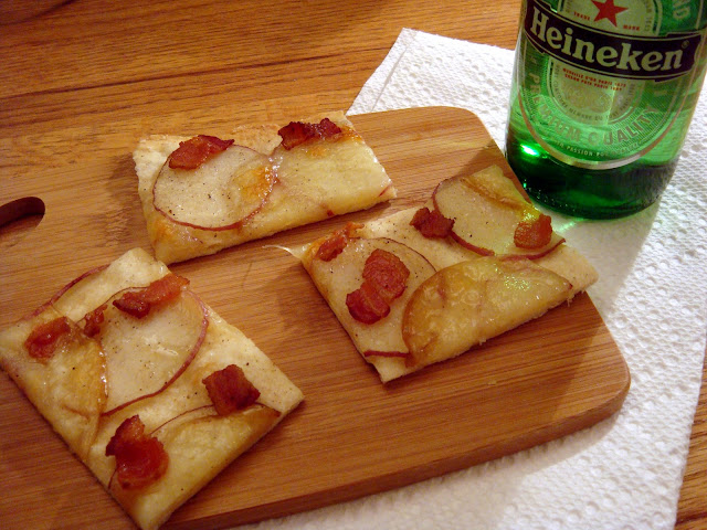 the little olive branch: bacon potato pizza