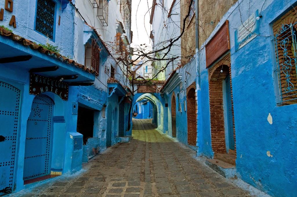 marruecos ciudad pintada de azul