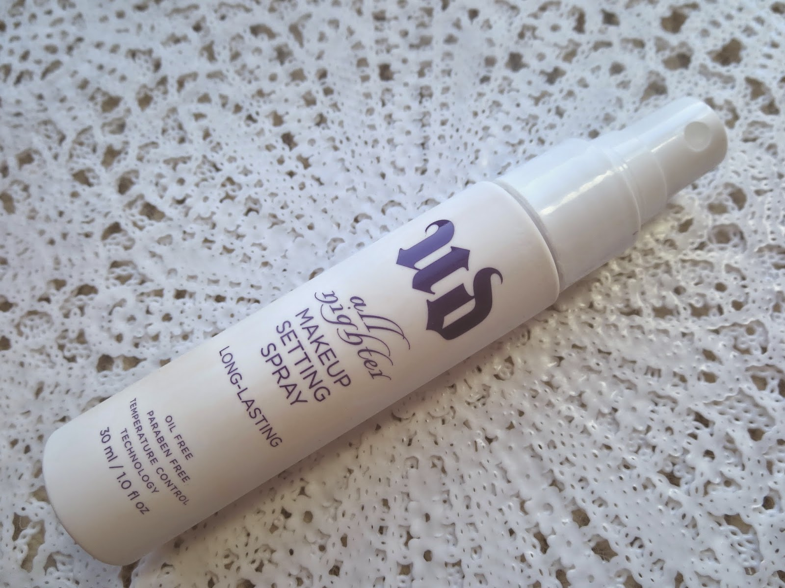 a picture of Urban Decay All Nighter Makeup Setting Spray