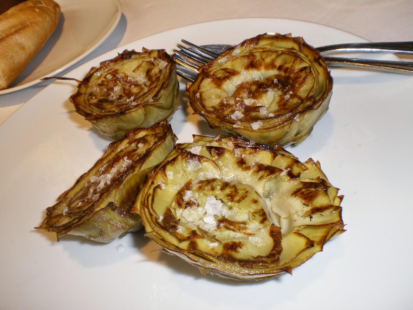 "Grilled artichokes (""alcachofas a la plancha"")"