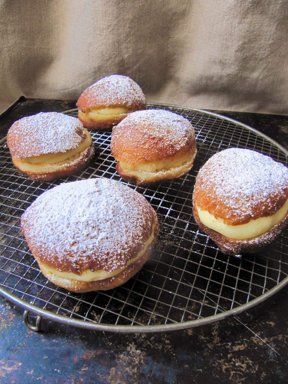 La cuisine d'ici et d'ISCA: Boules de Berlin pour le Mardi ...