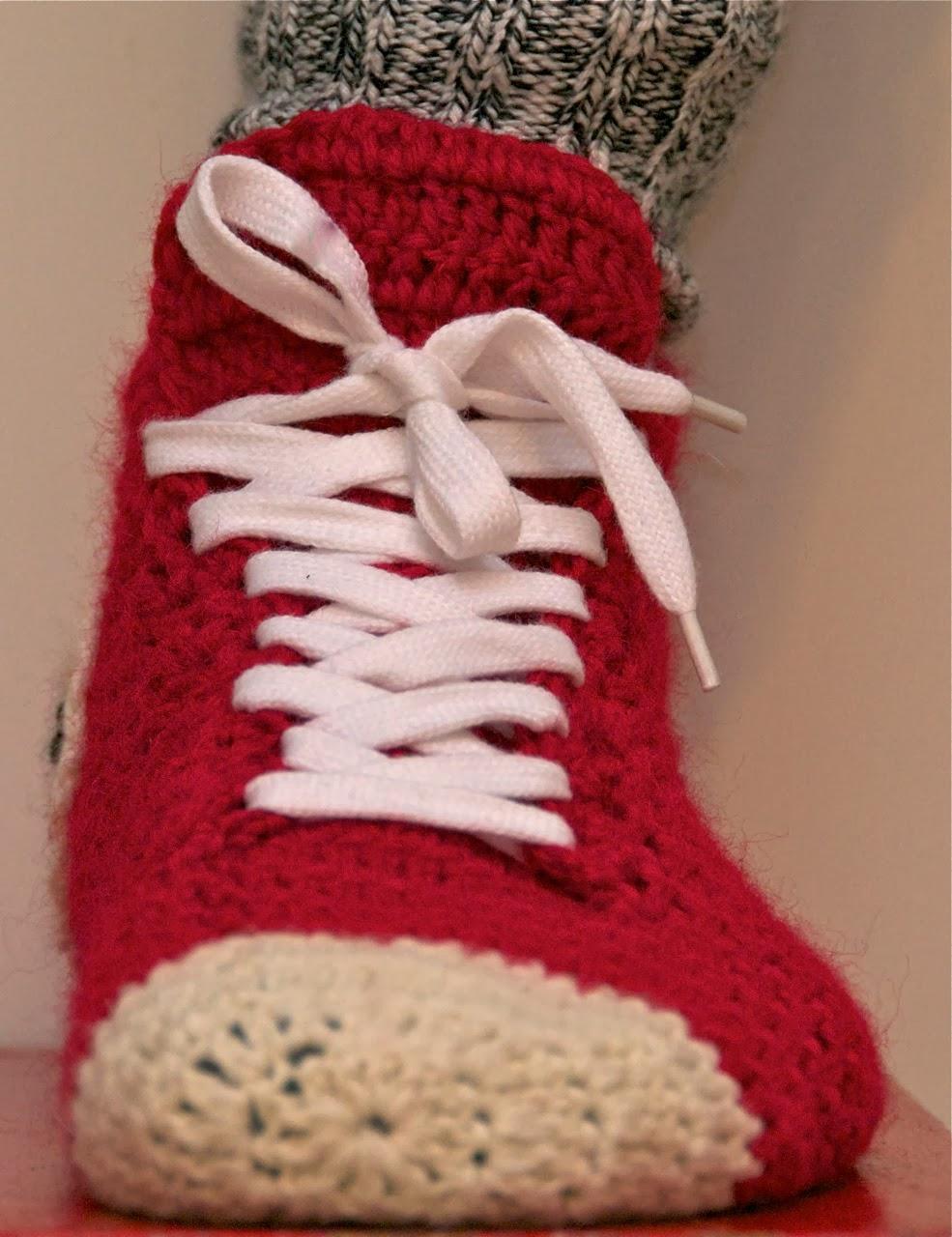 Crochet Pattern For Converse Slippers : Mun Tekem?!: My Crochet Converse Slippers - English ...