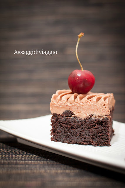 per accontentare tutti: brownies al cioccolato, ciliegie e porto