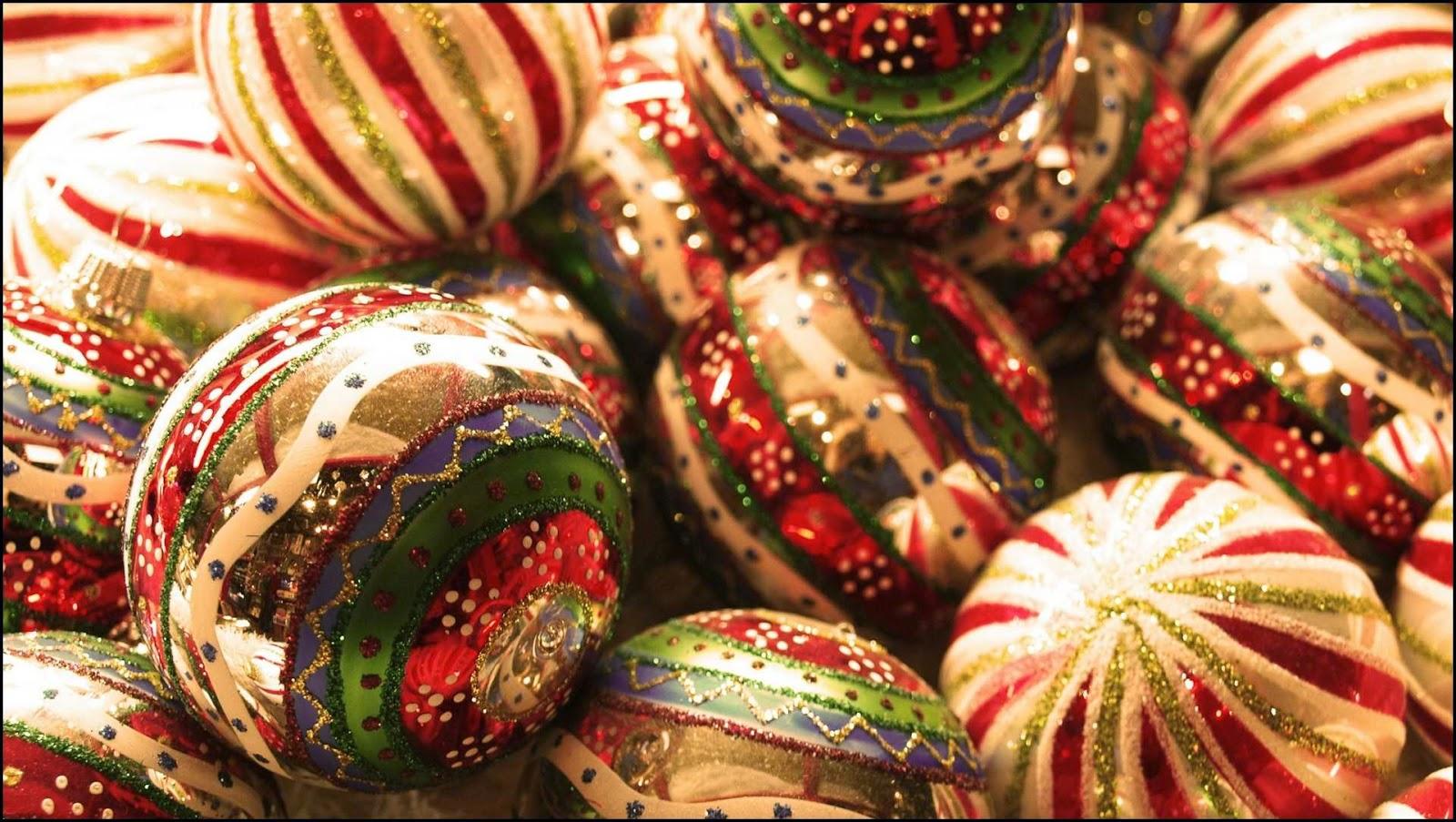Decorativas pelotas de Navidad