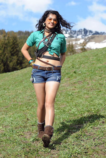 Tapsee hot navel show images