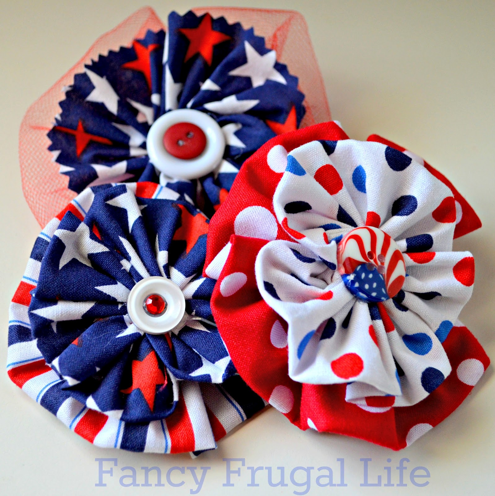a6ba9e924763d I had some left over patriotic fabric so I played around in the craft  closet last night and came up with these to wear as pins or hair clips.