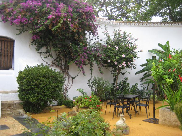 Marycot patios urbanos - Macetas para patios ...