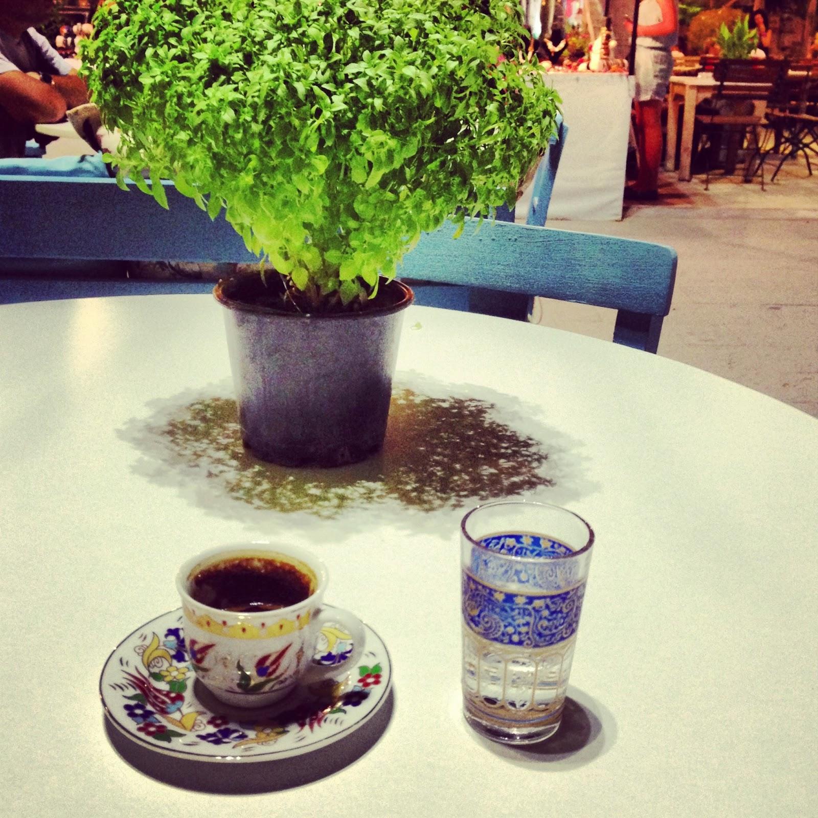 Kiraz Dünyası: Alaçatı ve Sakızlı Kahve 46