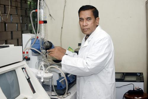 Profesor Bambang Prajogo - Ilmuwan Indonesia berhasil ciptakan pil kontrasepsi untuk pria