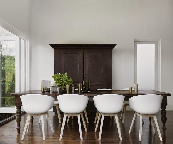 Adelaide Villa Mixing furniture styles old and new for an