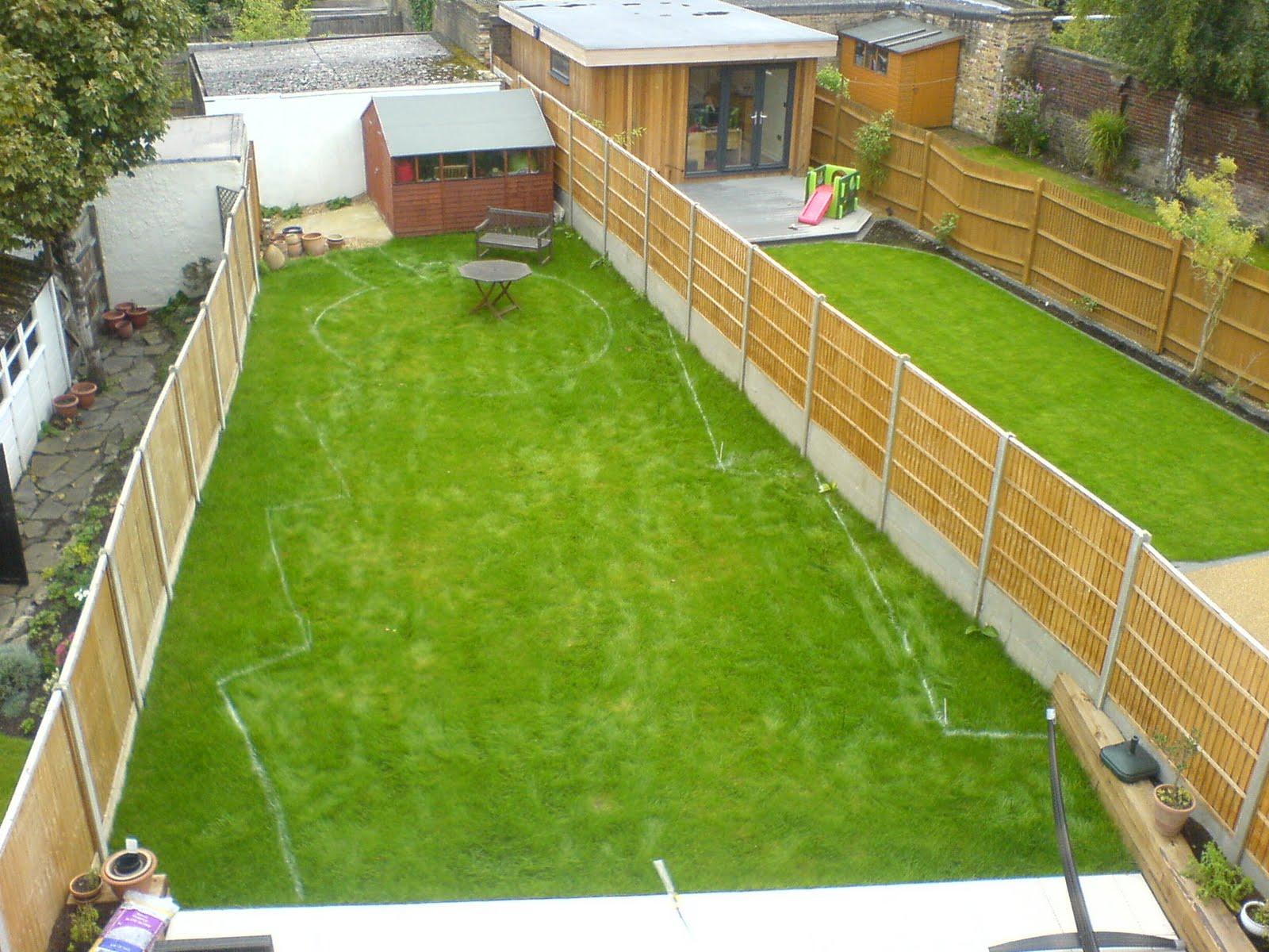 Edward mairis design for Long garden ideas