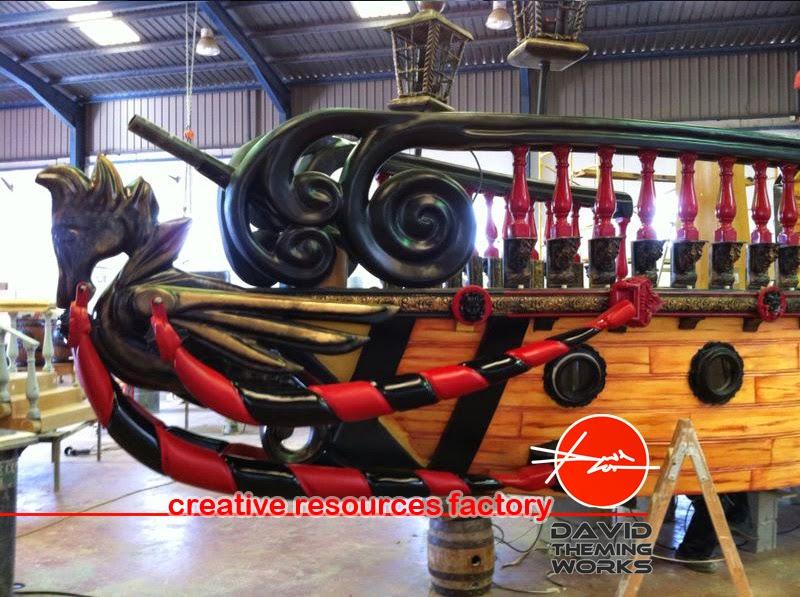 Nuevas fotos de los avances del nuevo barco pirata con for Toboganes para piscinas