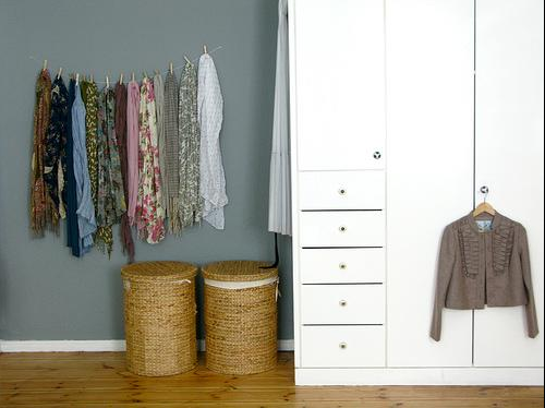 Organize Your Clothes 10 Creative And Effective Ways To Store And Hang Your Clothes: Smallrooms