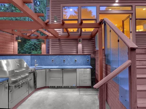 Smart Storage Solutions, Desain Dapur dengan cukup Rak dan etalase