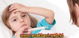 Cara Mengatasi Demam pada Anak Bayi yang Aman