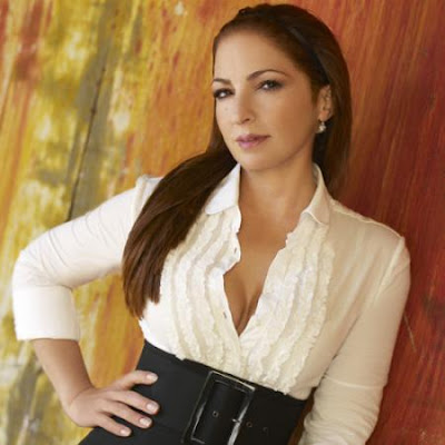 Gloria Estefan Ft. Pitbull - Wepa Remix Lyrics