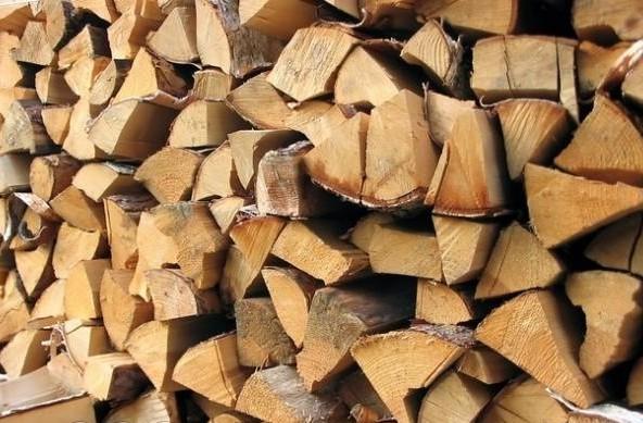 Нет секрета, что сухие дрова