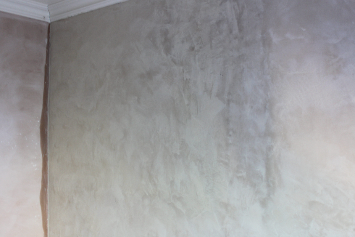 Plaster Wall Finishes : Plastering u repairing a wall using traditional lime