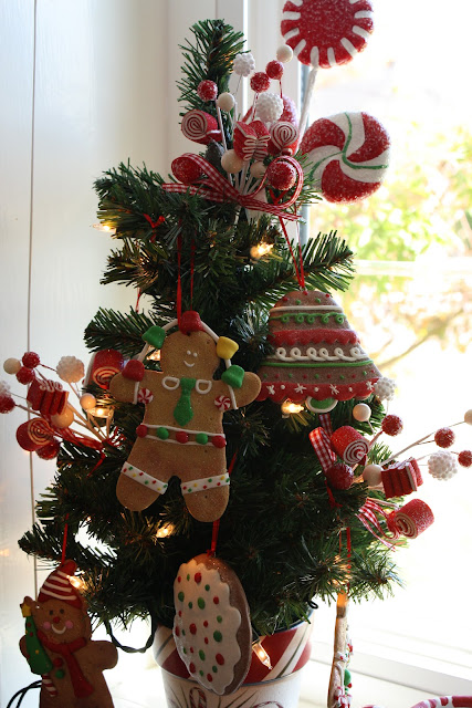 Gingerbread Christmas tree - kitchen Christmas tree