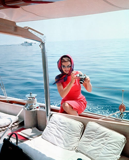 [Image: jackie_kennedy_on_a_yacht.jpg]