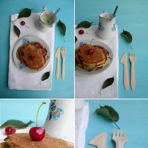 Śniadanie:Pancakes i wiśnie