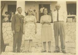 Dr. Luis Sampaio e Dona Carmen entre amigos, no Sítio São Gonçalo