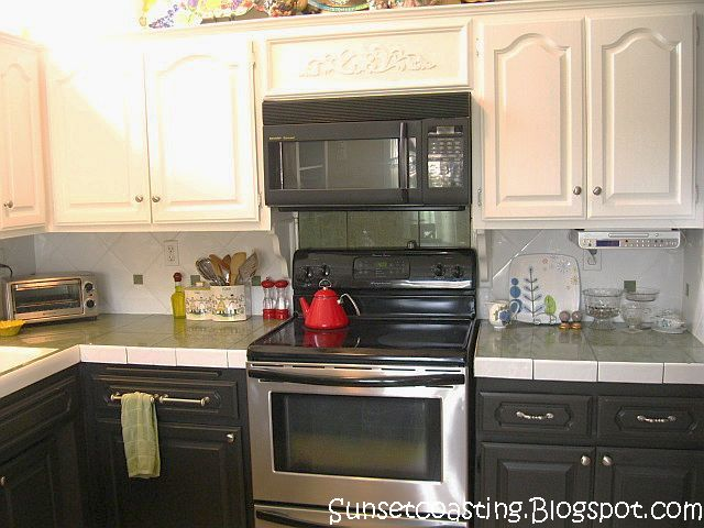 Sunset coast my black and white painted kitchen cabinets for Black and white kitchens photos