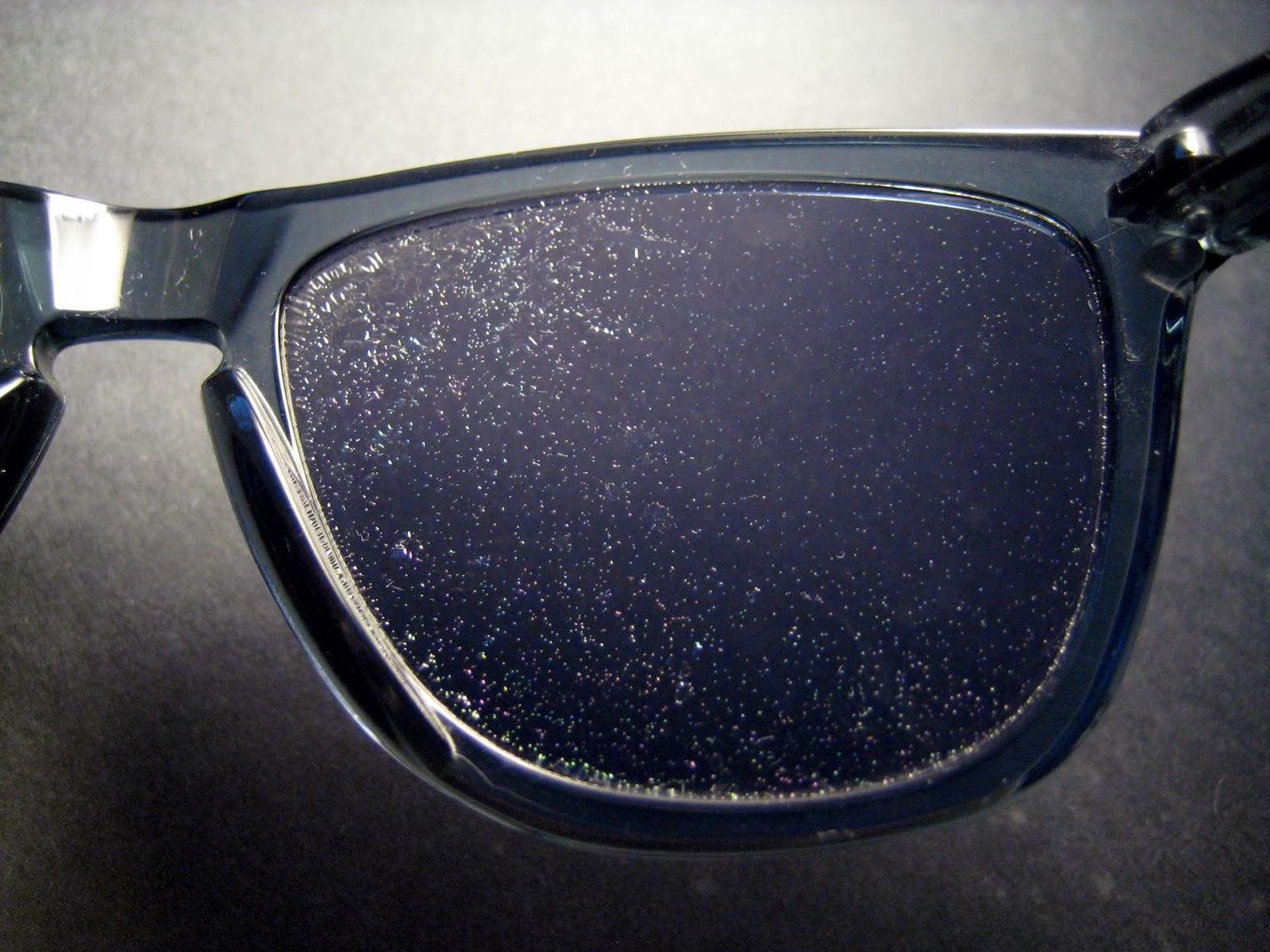lente oakley arranhada