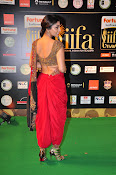 Shriya Sizzling in saree at IIFA Utsavam-thumbnail-4