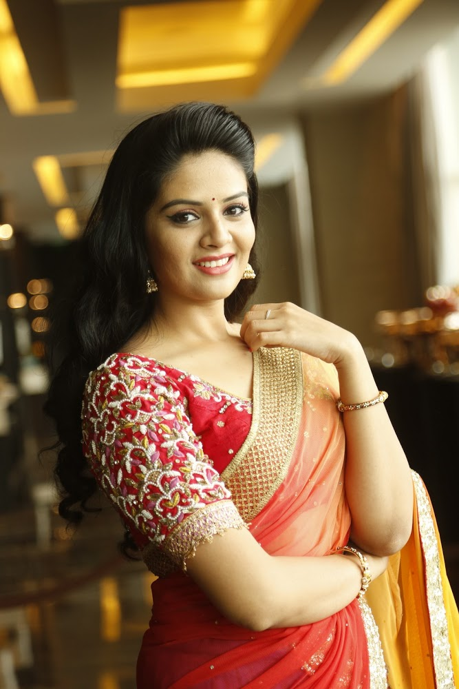 Actress Sri Mukhi latest HD images
