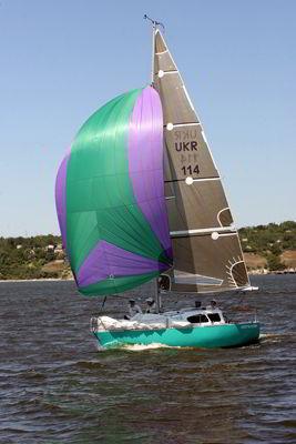 Фото Укринформ: яхта на Южном Буге