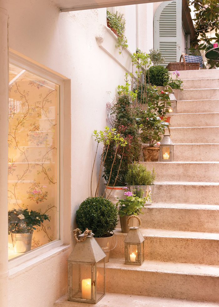 Tips deco 5 maneras diferentes de decorar con plantas for Idea deco pasillo escaleras