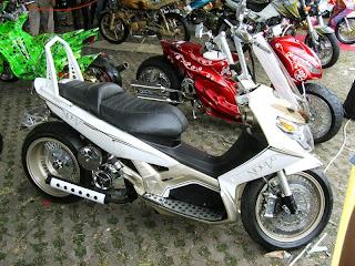 Modifikasi Yamaha Nouvo Low Rider